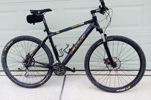 Fuji Tahoe 29er Mountain Bike